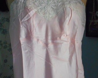 Beautiful 1940's Seamprufe Pink Slip with Original Label/Tag Never Worn