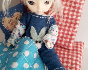 BJD Doll Outfit /  Overall Blanket / Small  BJD Dolls