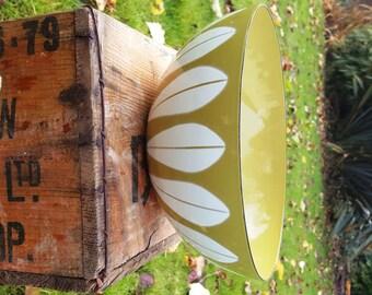 SALE! Fabulous Catherineholm Enamel Bowl  in Avocado Green/Lotus Design Mid Century Scandinavian Bowl