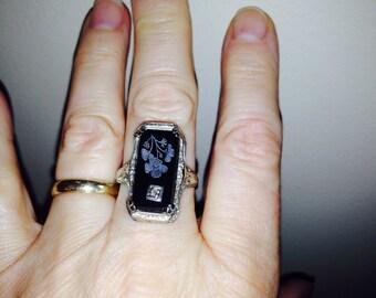 14K White Gold Onyx Filligree Ring