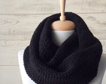 Mens, infinity scarf, knit scarf, black scarf, mens fashion accessories / Fast Delivery & Custom Colors