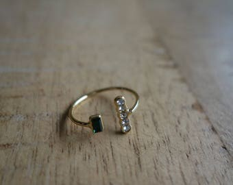 Thin ring gold studded stones green Swarovski Crystal and emeaude