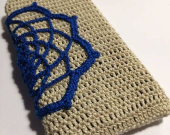 Crochet iPhone case, crochet accessorise, beige and blue phone case, great gift, doily iPhone case---------------------