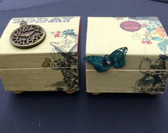 "Mini boxes  ""Alice In Wonderland"""