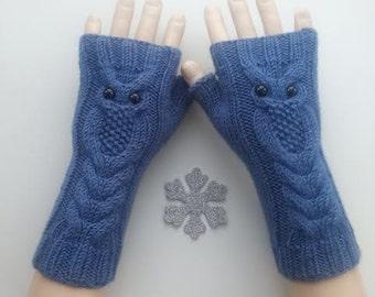 EXPRESS SHIPPING! Blue Owl Hand-Knitted Fingerless Gloves/Winter Accessories/ReyyanCrochet