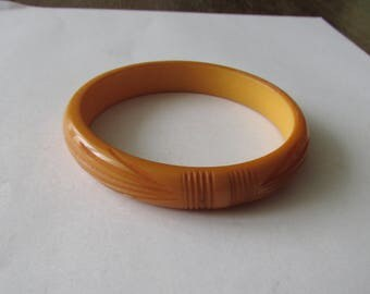 Vintage Carved Bakelite Bangle Bracelet Butterscotch Cuff