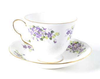 Vintage Violet Teacup, Queen Anne,  English Bone China, 8625