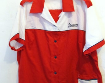A Women's Vintage 80's SPORTY Short Sleeve,BOWLING Shirt By KING L0UIE.22