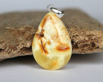 Yellow amber pendant, 100 % natural untreated amber, baltic amber jewelry, amber jewelry, drop amber bead, amber and silver, organic pendant