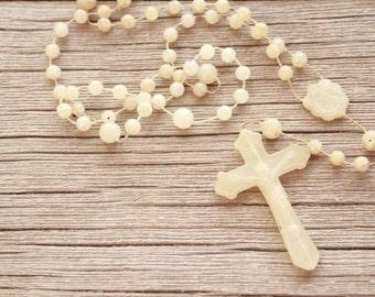 Vintage Rosary . Antique Rosary . Plastic Rosary . Bakelite Rosary . Catholic Cross Rosary Beads Necklace