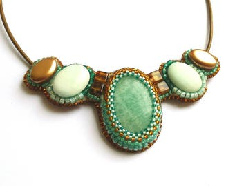 Amazonite and hemimorphites embroidered necklace