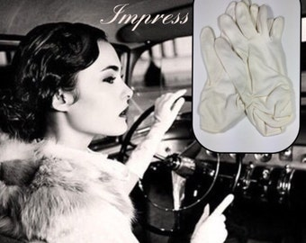 Wrist Length White Vintage Gloves