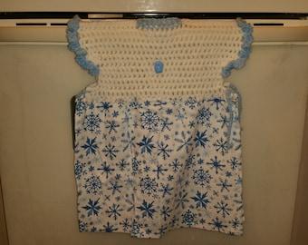 Dressy crotched kitchen or bathroom hand towel - 85