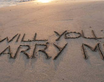 Personalised message in the sand