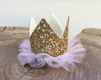 Gold glitter mini crown hair clip. Glitter crown with pink tulle tutu. Alligator clip mini crown.