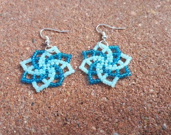 Star earrings with two colors, beaded earrings, seed bead earrings, earrings toho.