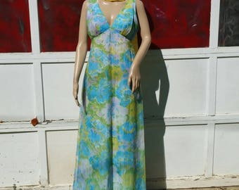 Vintage 1970's Floral Sleeveless Empire Waist Maxi Dress in Size Medium. Lined/Event/Wedding Guest/Alternative Wedding/Gala/Made in the USA.