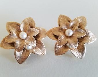 Vintage Sarah Coventry, vintage earrings, vintage jewelry, Sara Coventry earrings, clip earrings, gold flower earrings