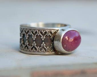 Ruby ring, Sterling silver Artisan ring, Statement ring, Chevalier ring, Contemporary jewelry, Gemstone silver ring, Solitaire ring,Handmade