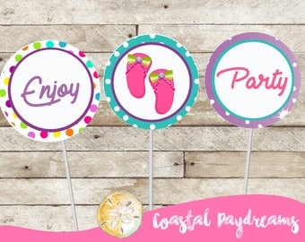 FREE Cupcake Wrappers.  Spa Cupcake Toppers, Cupcake Toppers, Spa Stickers, Cupcake Wraps, Polka Dot Cupcake Wrappers