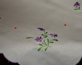 Vintage White Tablecloth with Purple Floral  Embroidery, Scalloped edge, 36 inch Square with 4 Napkins, Tea or Luncheon Set  New Store Stock