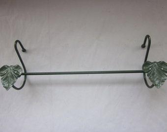"Green Enamelled Towel Rod, Ivy Design, 18 3/4"" Long"