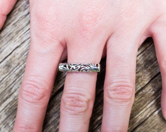 Gorgeous filigree bar ring in 925 sterling silver - size 6.5