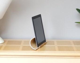 Support tablette original en bois, Support ipad design, Support pour tablette, finition chêne