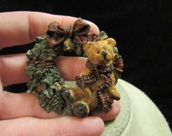 Vintage Large Christmas Ceramic Teddy Bear Wreathe Pin