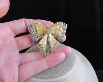 Vintage Large Two Tone Bow Pin