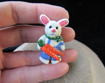 Vintage Easter Bunny Pin