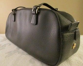 Vintage Ladies Black Leather Etienne Aigner Handbag.