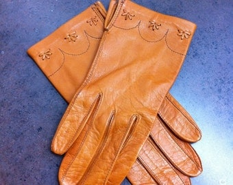 Vintage Ladies Gloves - Orange Leather Driving Gloves - Made in Hungary - Gift for Her