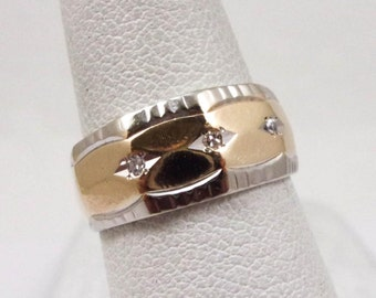 Solid 14K Yellow Gold 7mm 0.03 Carat Diamond Ring Size 4.25, 3.7 grams, Textured