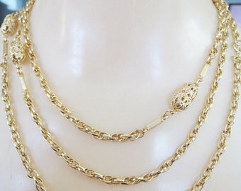 Vintage Sarah Coventry Gold Tone Necklace