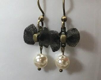 Mesh bow and swarovski earrings