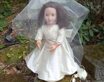 "18"" doll costume, doll wedding gown costume, doll wedding gown train, doll wedding veil, doll wedding garter, doll wedding bouquet"