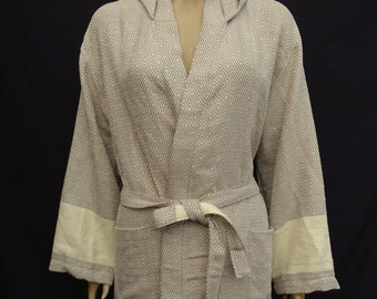 Beige colour diamond patterned Turkish thick cotton peshtemal hooded bathrobe, dressing gown.
