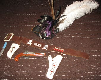 Vintage 1950's Pirate Holster, Handmade Pirate Hat? With Hubley Flintlock Toy Cap Gun In Excellent Condition.
