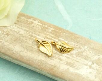 2 pcs. charm leaf gold pl.  #4074