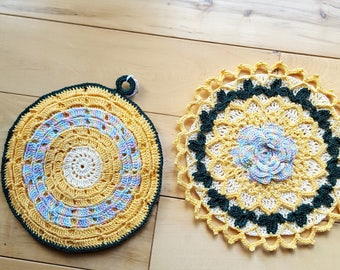 Potholders - Vintage patterns/crochet cotton-set of two