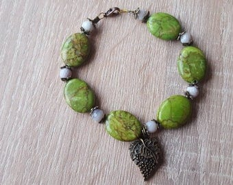 Green stone bracelet mixed stone bracelet, green jade bracelet vintage green stone bracelet olive leaf charm has