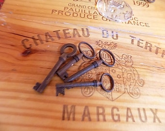 Set of 4 Antique Keys, Authentic French Iron Hand Forged Keys, Hobby Keys, Anniversary Keys,Marriage Keys, Birthday Keys. Craft Keys