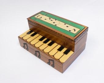 Handmade Wooden Piano Box / Trinket Box / Keepsake Box / Music Box / Music notes / Black and White Keys / Gift for Musican