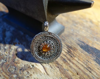 Amulet pendant ornaments with amber