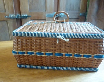 box couture jewelry suitcase in french woven wicker and scoubidou