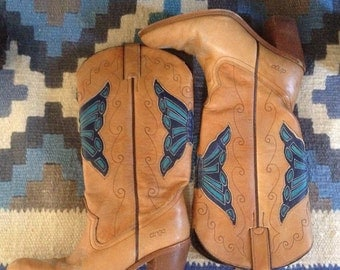 Women's 1980's Dingo cowboy boots.
