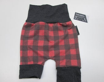 Evolving short 6-36M, for those interested in camping style lumberjack, made knit caroter and gray band