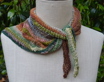 Multicoloured knit scarf