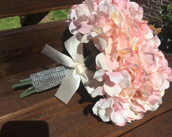 Peachy pink hydrangea bouquet